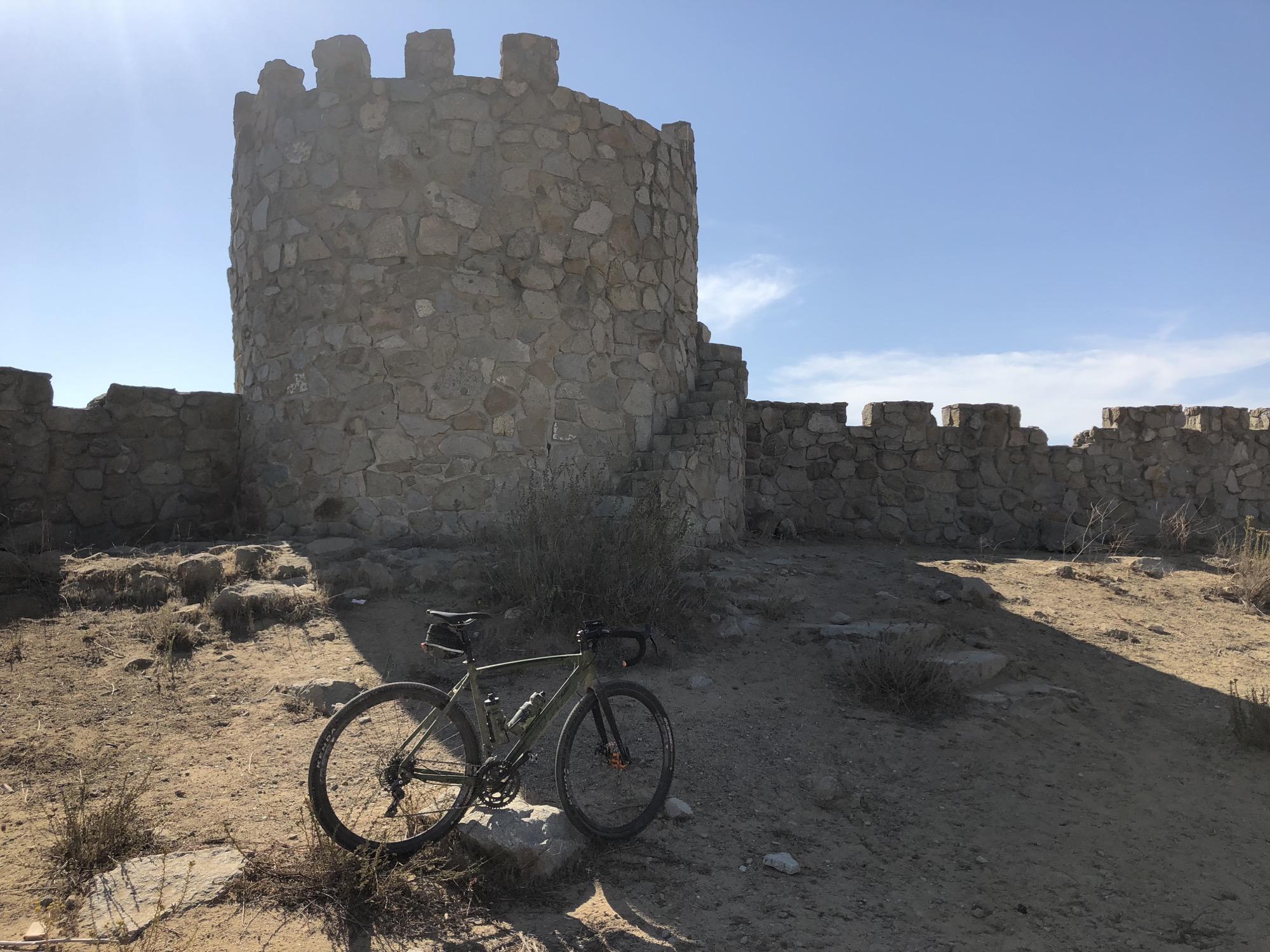 gravel bike with castle background